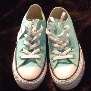 New Converse, size 6